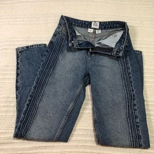 BDG Urban Outfitters pintuck mom jean